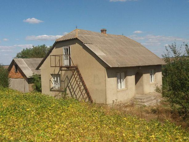 Будинок та земельна ділянка біля р.Дністра