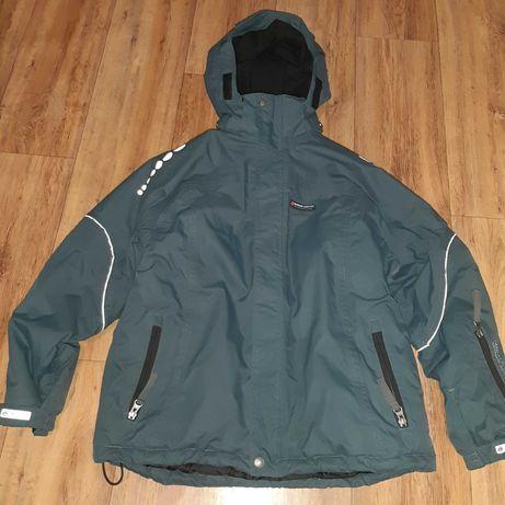 Фирменная куртка зимняя ( Дания) мембрана 140-150 рост