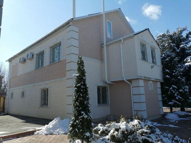 Дом 213м2 + гостeвой дом участок 18 соток ул. Кармeлюка