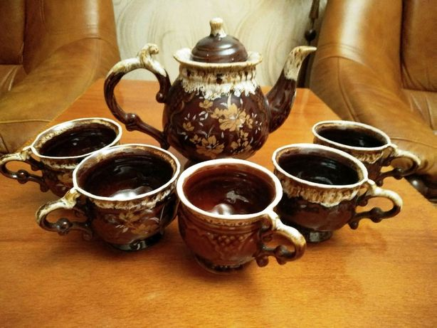 Чайный сервиз - 150 руб.
