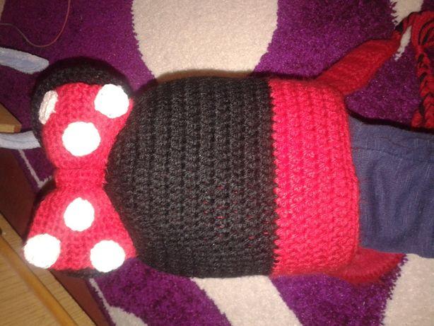 Очень красивая и тёпленькая деми шапочка мики для девочки 2-4 года