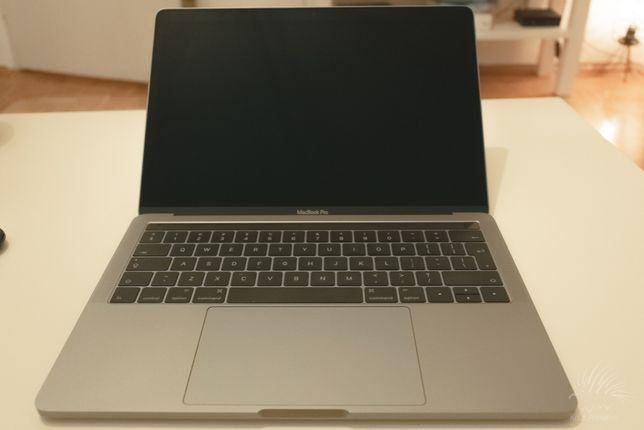 MacBook Pro 13, Touch Bar 256 GB, A1706