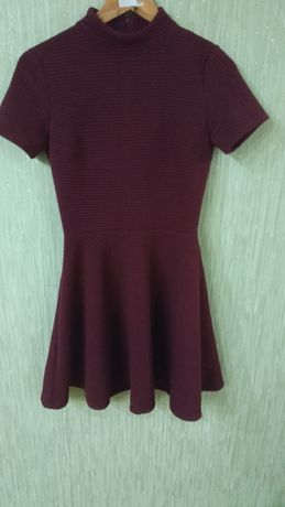 Продам подростковое платье
