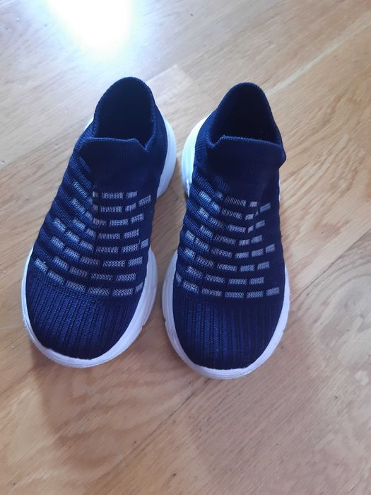 Легкі ,текстильні, дихаючі кросівки Львов - изображение 1