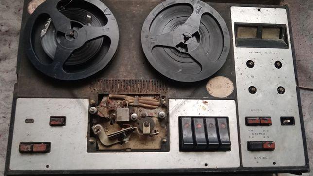 Катушечный магнитофон Эльфа 332 стерео