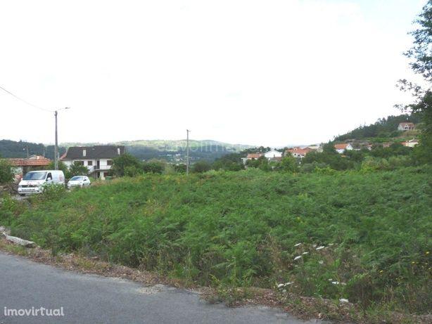 Terreno de construção, bem localizado, em Melgaço