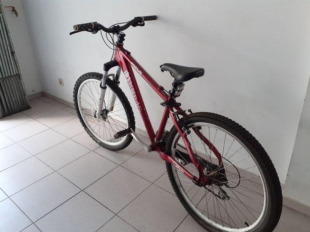 Bicicleta robusta de btt roda x26