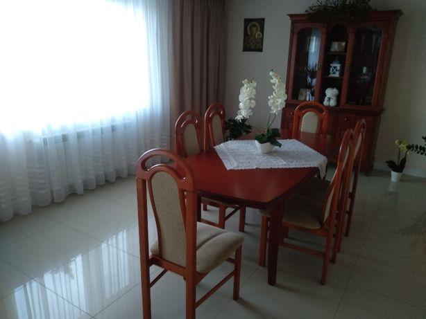 komoda,stół, krzesła, stylowy zestaw, drweno