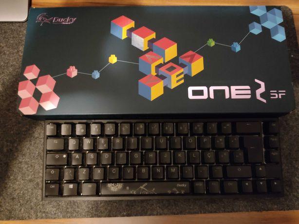 Teclado Mecânico Ducky ONE 2 SF RGB ABS PT 65%Cherry MX Speed Silver
