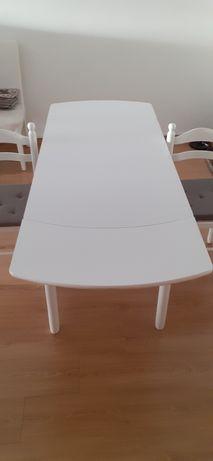 Mesa extensível com duas cadeiras