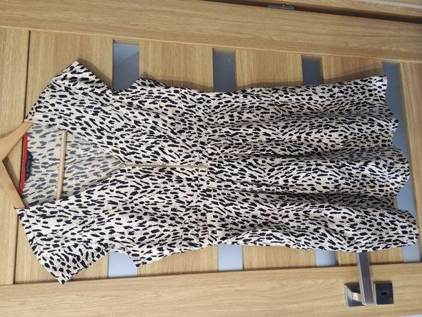 Sukienka w panterke 42