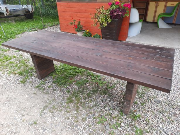 Stół ogrodowy, drewniany
