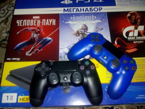 PlayStation 4 1ТВ + 3 игры