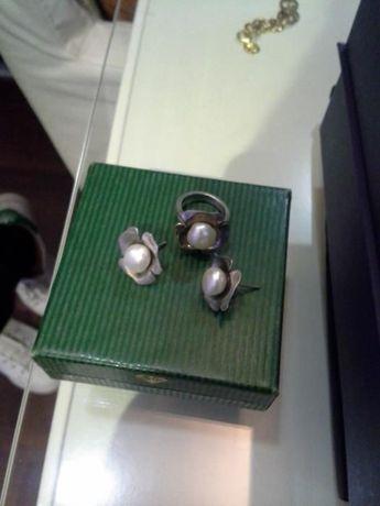 brincos e anela em prata e pedola agua doce