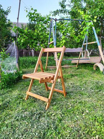 Розкладні дерев'яні стільці
