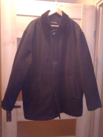Płaszcz męski czarny.
