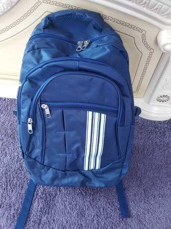 Рюкзак  шкільний  новий міцний