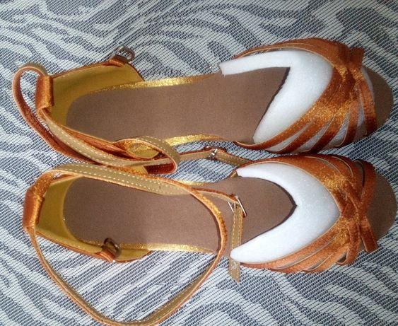 Nowe buty do tańca rozm.30, 31