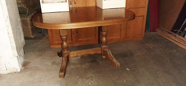 Stół owalny rozkładany rustykalny na 8 osób.