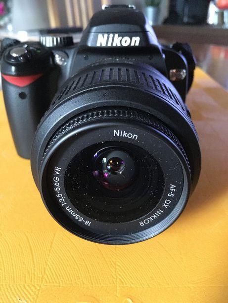 Nikon D60 + obiektyw Nikkor 18-55mm + torba Lowepro 160AW