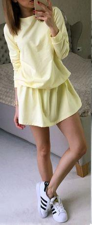 Kobieca dresowa rozkloszowana sukienka, pastele