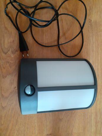 Stock - lampa zewnętrzna LED z czujnikiem PHILIPS okazja