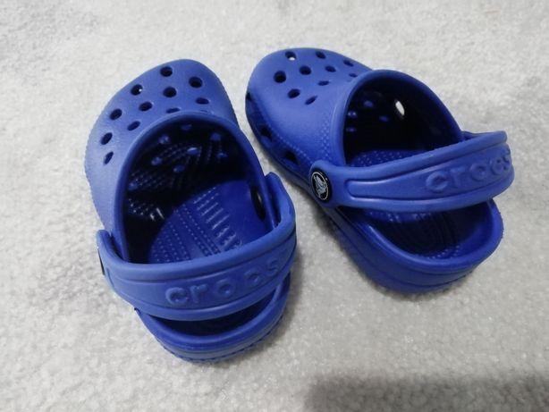 Crocs azuis