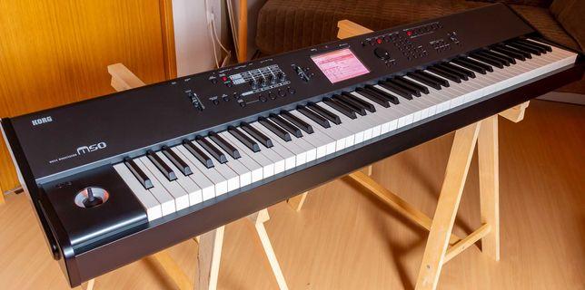 """Sintetizador, """"music workstation"""" e piano eletrónico Korg M50 88"""