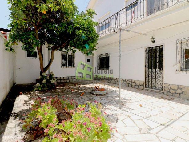 Andar de Moradia T3, no r/c com quintal, Quinta do Conde