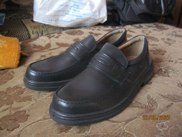 Мешти (туфлі) нові