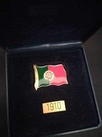 Medalha da Bandeira da República Portuguesa - Estojo * Novo