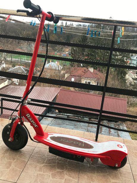 дитячий електричний самокат RAZOR E 100