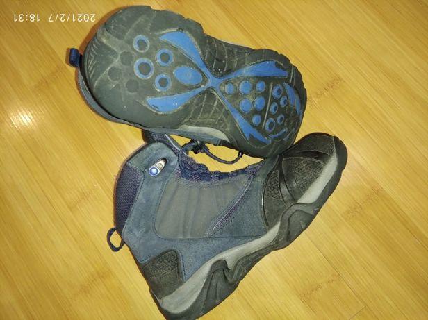 Продам зимние детские ботинки OUTVENTURE 33-го размера