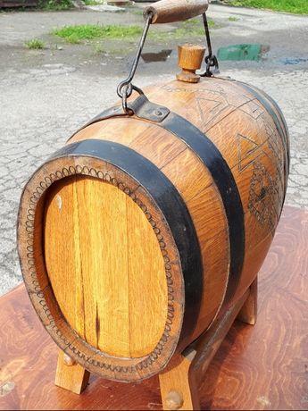 Деревяная бочка под выно, спиртовых напитков. .