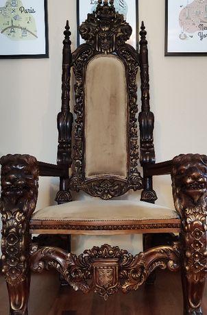 Tron-krzesło rzeźbione w drewnie STAN NOWY