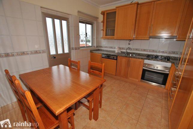 Apartamento T2 para arrendar - Salir do Porto