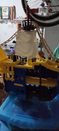 Barco grande capitao Jake