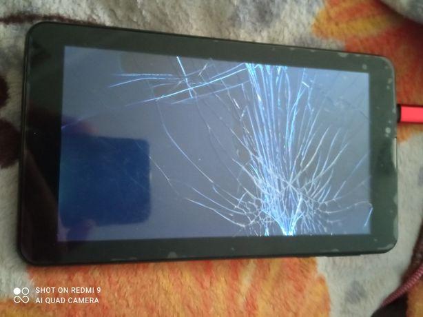 Продам планшет, разбит экран