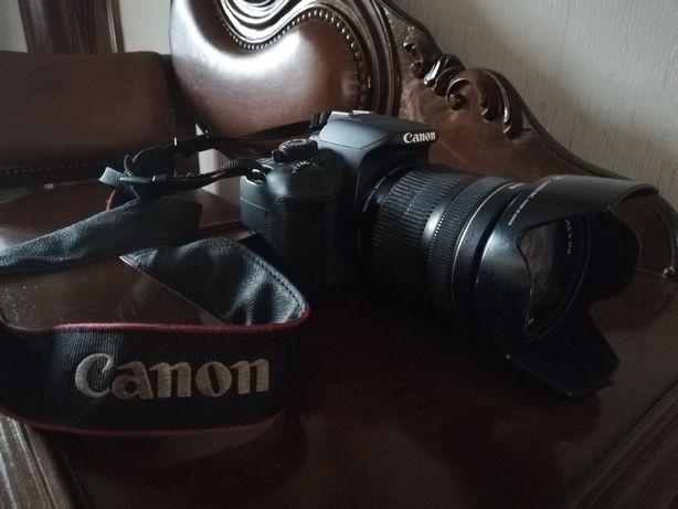 Maquina fotográfica Canon 700D