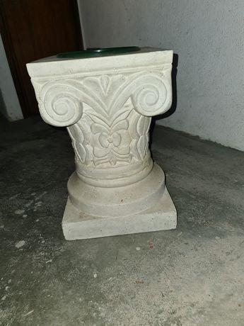 Vaso de flores tipo pedra