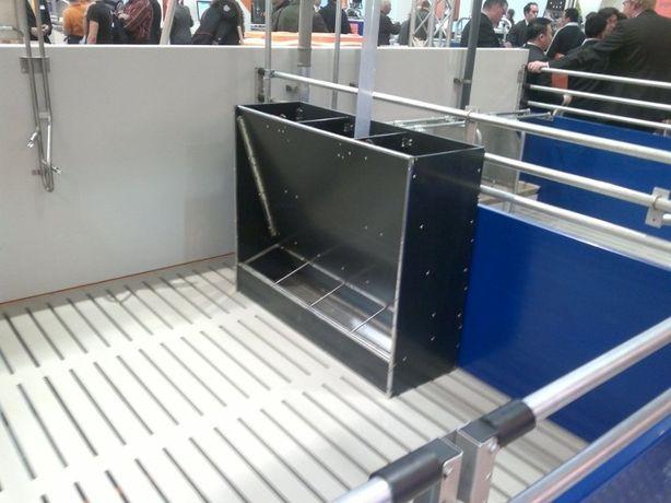 Automat dla tuczników/warchlaków na paszę suchą - KARMNIKI z płyty PE