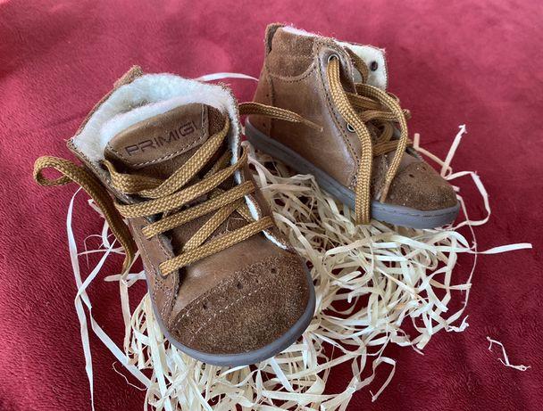 Продам стильные натуральные ботинки 21р.