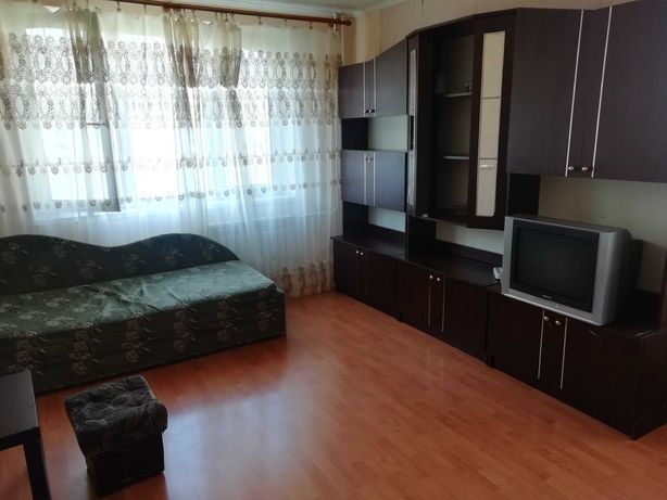 Сдам 1-но комнатную квартиру метро Героев Днепра 5 минут.