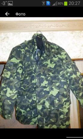 Куртка армейская камуфлированная.