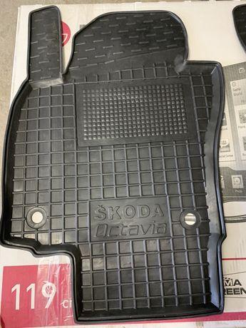 Комплект резиновых ковриков на Octavia A5 НОВЫЕ