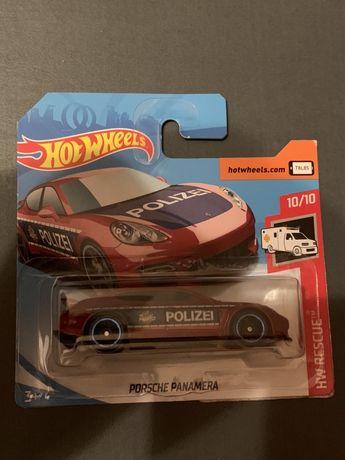 Hot Wheels Porsche Panamera Polizei