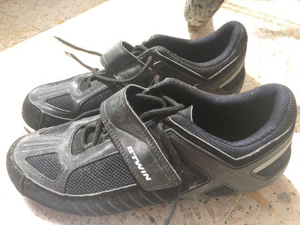 Sapatos Bicicleta B-Twin bom estado