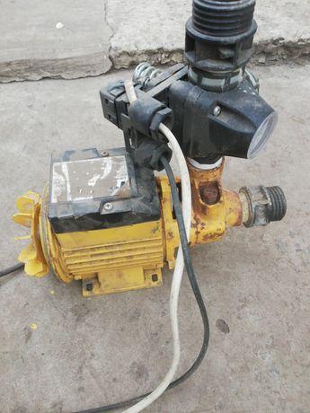 Водяной насос с автоматикой
