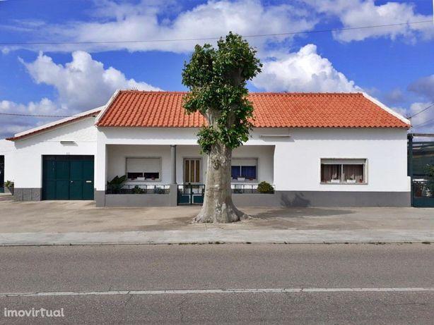 Moradia T3 com Restaurante - Foros de Salvaterra