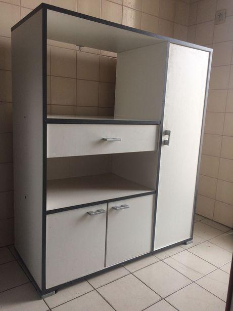 Armário Cozinha arrumações micro ondas com gavetas e prateleiras